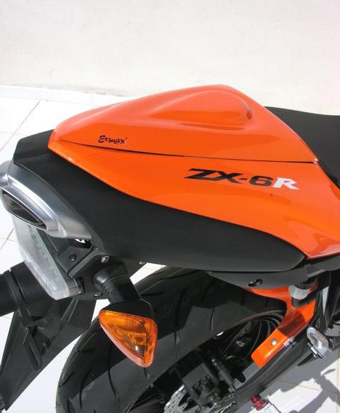 Capot de selle Ermax ZX-6R (2007-2008). Capot de selle Ermax en ABS choc thermoformé.     Plusieurs couleurs disponibles en option.  Livr