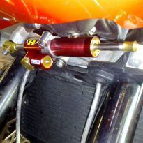 Kit fixation pour vérin Hyperpro Tuono 1000R (2006-2010)
